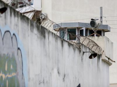 Σοκ στις φυλακές Κορυδαλού-Φρουρός αυτοπ...