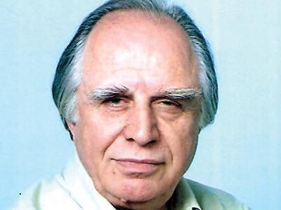 Έφυγε από τη ζωή ο Αιγιώτης εκπαιδευτικός και δημοσιογράφος Ανδρέας Φλογεράς