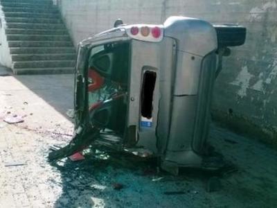 Βουτιά θανάτου για νεαρή οδηγό στη Ρόδο ...