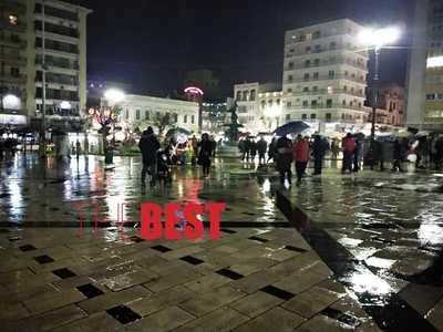 Πάτρα: Αναβάλλεται για τις 9 η τελετή έναρξης του Πατρινού Καρναβαλιού λόγω βροχής – Χωρίς τέντα οι σκηνές!