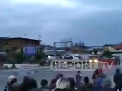 Σε πεδίο μάχης μετατράπηκε γειτονιά αυθαιρέτων στα Τίρανα