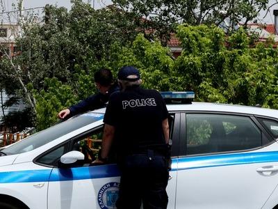 Καμάρες: Διέρρηξε ΙΧ και βούτηξε πορτοφόλι με 200 ευρώ
