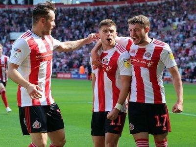 Μένουμε σπίτι και Sunderland 'til I die