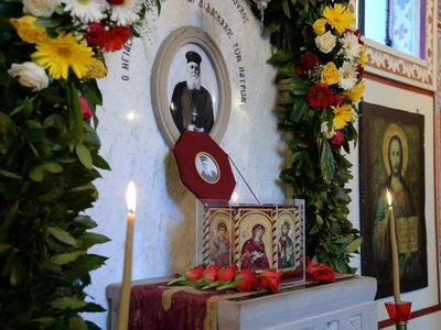 Αγιοποίηση π. Γερβασίου: Ξέσπασαν σε χειροκροτήματα οι πιστοί