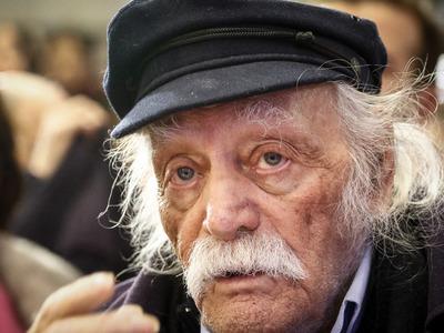 Πέθανε ο Μανώλης Γλέζος σε ηλικία 98 ετών