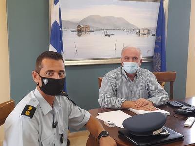 Με τον Διοικητή της Τροχαίας, Κωνσταντίν...