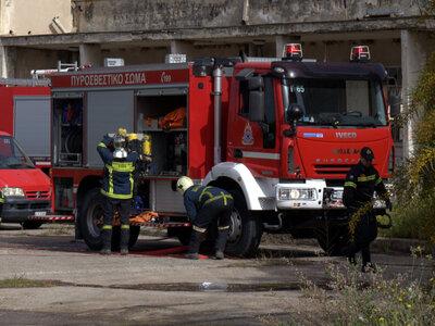Πάτρα: Κινητοποίηση της πυροσβεστικής γι...