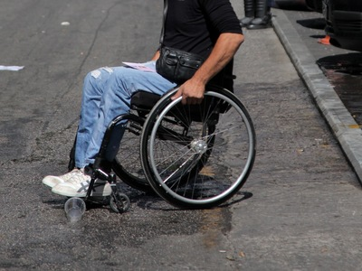 Δυτ. Ελλάδα:  216 κλήσεις για πάρκινγκ σε θέσεις ΑμεΑ, πεζοδρόμια και πλατείες