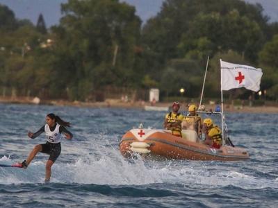 ΕΚΑΒ και Ερυθρός Σταυρός φύλαγαν εθελοντικά τα... νώτα των Μεσογειακών Αγώνων
