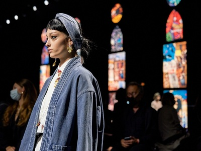 Πάμε Παρίσι: Τέχνη, φεμινισμός και χαλαρ...