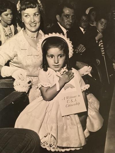To 1961, σε ηλικία 3 ετών, η Λίντα – Κάρ...