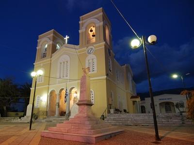 Γιορτάζει με εκκλησιαστική λαμπρότητα ο ναός Αγίου Ανδρέα στην Εγλυκάδα