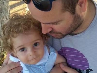 Πετάει για την σωτηρία του ο μικρός Ραφαήλ- Τι λέει ο Έλληνας γιατρός που τον περιμένει στη Βοστόνη