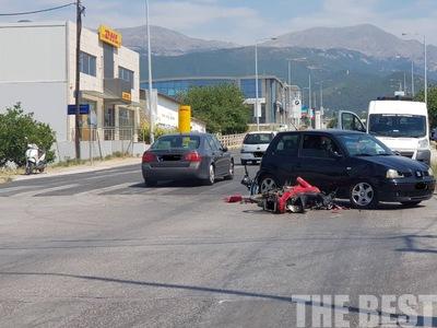 Τροχαίο με δύο τραυματίες στην Κανελλοπούλου