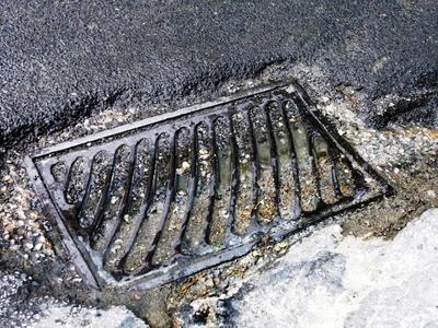 Καταγγελία στο thebest.gr: Βυτίο λυμάτων άδειαζε σε σωλήνα στα Βραχνέικα
