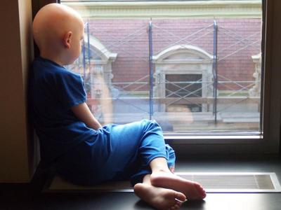 Κοριτσάκι με λευχαιμία αβοήθητο για 15.000 ευρώ