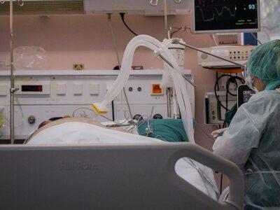 Στη ΜΕΘ με βαριά πνευμονία 70χρονος πλήρ...