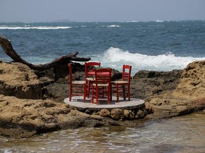 Πρώτο τραπέζι ...ελληνικό καλοκαίρι