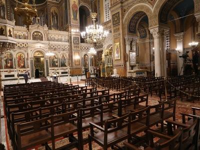 """Tο ΣτΕ απέρριψε αίτημα πιστών να """"παγώσει"""" η απαγόρευση για τις λειτουργίες στις εκκλησίες"""
