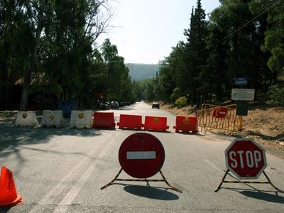 Δυτ. Ελλάδα: Έκλεψαν κώνους, πινακίδες και πετρέλαιο...