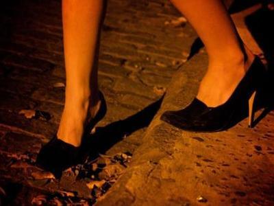 """Απελευθερώθηκαν 20 κοπέλες και αγόρια """"σκλάβοι"""" του σεξ  στην Ελλάδα"""