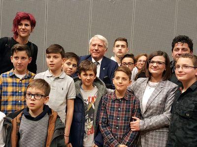 Η ξεχωριστή συνάντηση παιδιών της Ελληνικής ΜENSA με τον Δ. Νανόπουλο στην Πάτρα