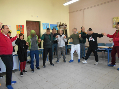 Ο Πανηπειρωτικός Πατρών έστησε χορούς μέσα στις φυλακές της Πάτρας- ΦΩΤΟ