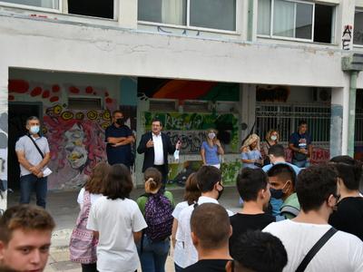 Κώστας Πελετίδης: Η Κυβέρνηση μεταφέρει ...