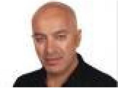 O Στράτος Βαρδάκης στηρίζει Δημήτρη Καλογερόπουλο