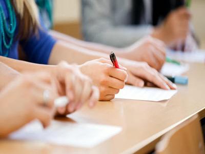 Στο Σχολείο Δεύτερης Ευκαιρίας Πάτρας οι εξετάσεις ελληνομάθειας