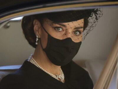 Κηδεία πρίγκιπα Φίλιπππου: Οι ενδυματολο...