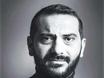 Ο Λεωνίδας Κουτσόπουλος γιορτάζει με… ΠΑΣΟΚ τον Άγιο Βαλεντίνο