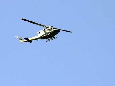 Ελικόπτερο έπεσε στη θάλασσα στον Πόρο - Ψάχνουν τρεις επιβαίνοντες