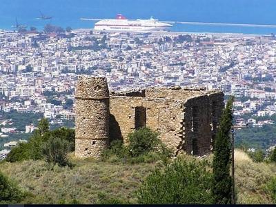 Ο άγνωστος πύργος του Ρούφου στην Πάτρα
