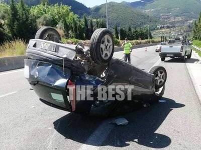 Αυτοκίνητο ντελαπάρισε στην περιμετρική της Πάτρας – ΦΩΤΟ
