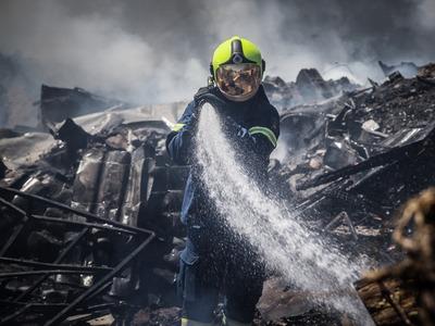 Σε ύφεση και οριοθετημένη η πυρκαγιά στο Χαΐδάρι