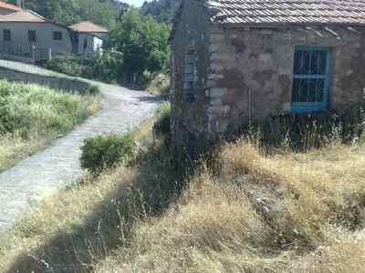 Πωλείται Οικόπεδο 500 τ.μ.  (με οικία 25...