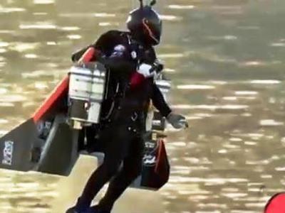 "O Γάλλος ""Ironman"" πετά πάνω από το Ντουμπάι- ΒΙΝΤΕΟ"