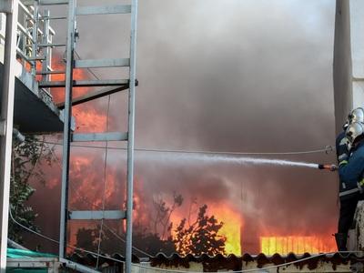 Μαίνεται η πυρκαγιά στη Μεταμόρφωση- Και...