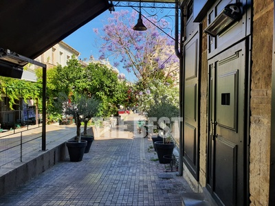 Μια πανέμορφη και γραφική Πάτρα, στις σκάλες της Γεροκωστοπούλου - ΦΩΤΟ