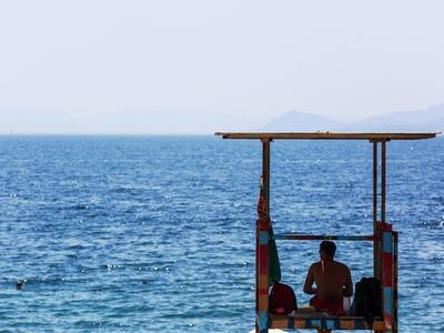 Ναυαγοσώστης έσωσε ηλικιωμένο στην παραλία της Κάτω Αχαΐας