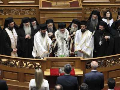 Ορκίζεται Προέδρος της Ελληνικής Δημοκρα...