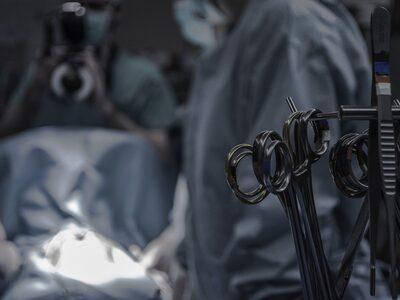 Πόσο μειώνονται τα τακτικά χειρουργεία σ...