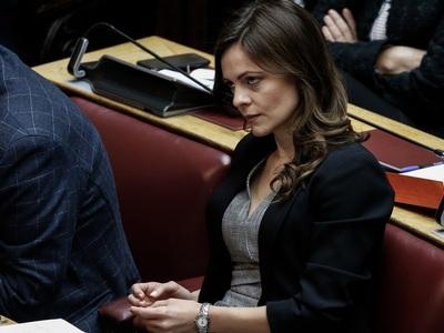 """Ε. Αχτσιόγλου: """"Ανεπαρκή σε ποσότητα, ποιότητα και χρόνο λήψης τα μέτρα της κυβέρνησης"""""""