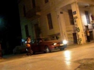 """Πάτρα: Σεξ σε δημόσια θέα – Αλλοδαπές ιερόδουλες και Πατρινοί πελάτες """"συνευρίσκονται"""" σε παρκινγκ και απόμερα σημεία"""