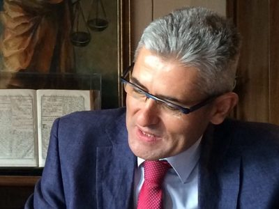 O Άγγελος Τσιγκρής φέρνει στη Βουλή τη διασύνδεση των Πειραματικών Σχολείων της Πάτρας