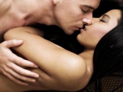 Έφηβοι που έχουν σεξουαλικές φωτογραφίες