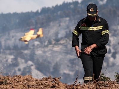 Πυρκαγιά σε δασική έκταση στις Κεχριές Κορινθίας