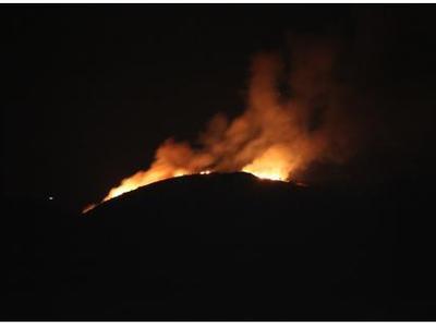 ΠΑΤΡΑ: Υπό μερικό έλεγχο η φωτιά σε δύσβ...