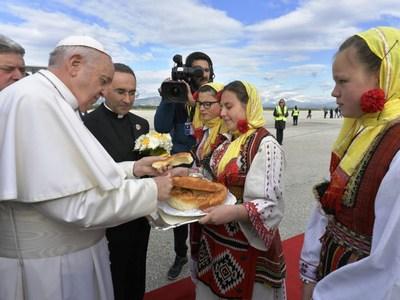 Ο Πάπας επισκέφθηκε για πρώτη φορά στην ιστορία τη Βόρεια Μακεδονία - ΔΕΙΤΕ ΦΩΤΟ ΚΑΙ ΒΙΝΤΕΟ